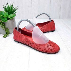 Elk Made in Italy Red Perforated Leather Flats 37